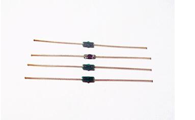 可弯曲耐高温的超高频植入式标签